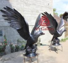 patung elang tembaga 26