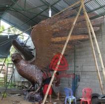 patung elang tembaga 13