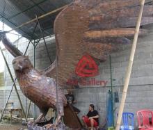 patung elang tembaga 17