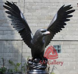 patung elang tembaga 31