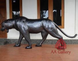 patung-macan-tembaga-04
