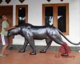 patung-macan-tembaga-06