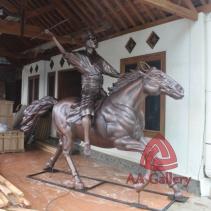 Patung Kuda Tembaga 08