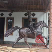 Patung Kuda Tembaga 18