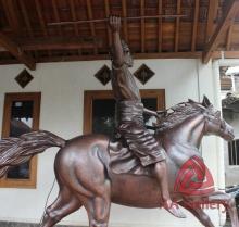 Patung Kuda Tembaga 20
