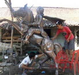 Patung Kuda Tembaga 24
