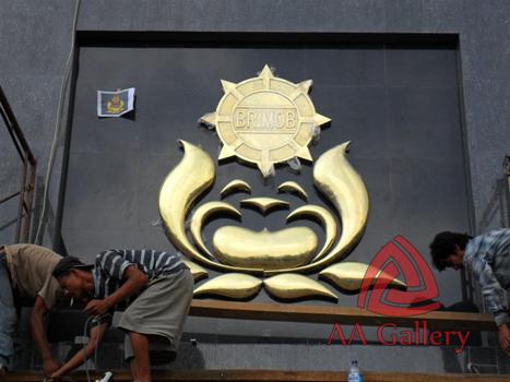 Kerajinan Logo Brimob Kuningan