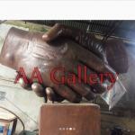 patung persahabatan jabat tangan taman asia afrika bandung 03